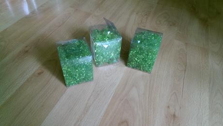 zelené kytičky a diamanty,
