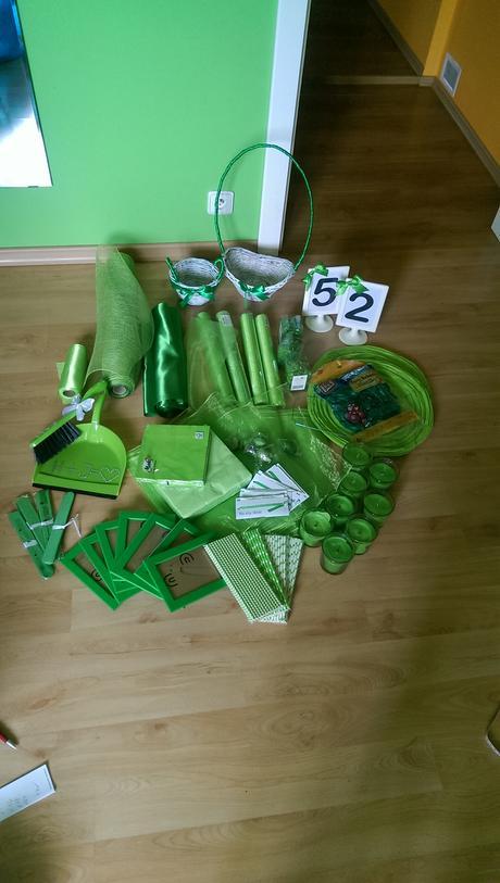 zelený set dekorací na svatbu,