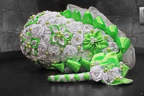 Látkové svadobné kytice,