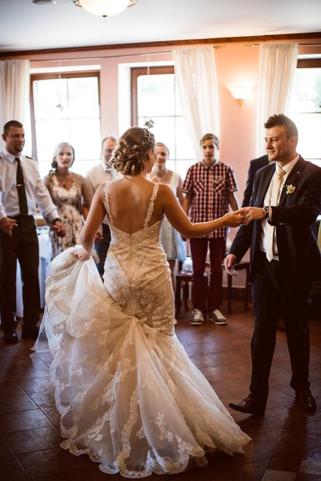 Krajkové svatební šaty Fara Sposa, 36