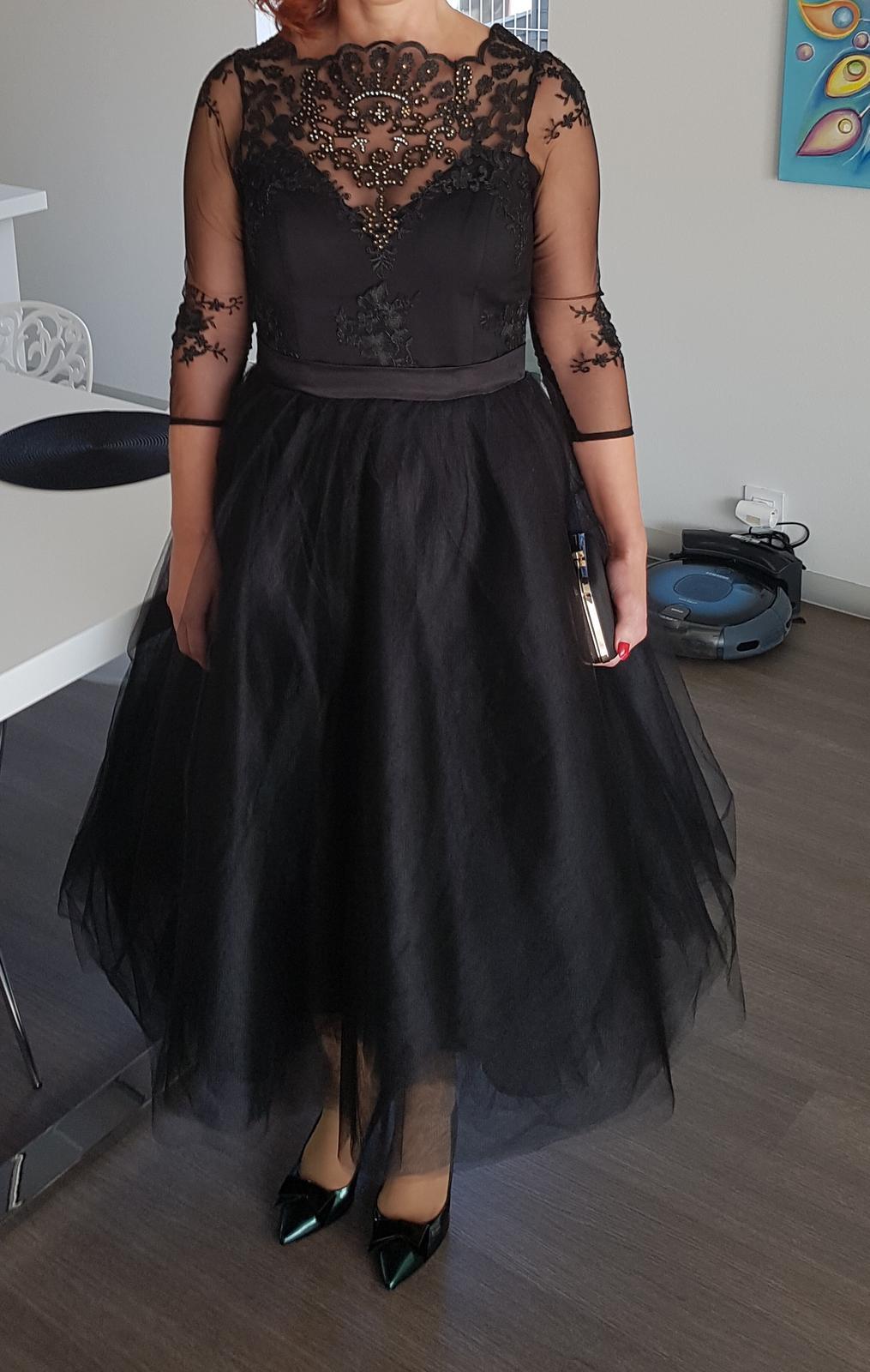 Šaty s čipkou 6a4030f53e
