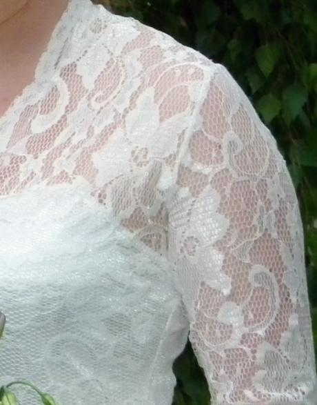 Originální svatební šaty s krajkou, 40