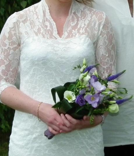 Šaty na svatbu, věneček i letní slavnost, 40