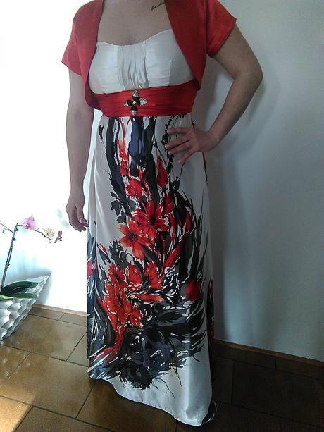Saténové kvetinové šaty, 42