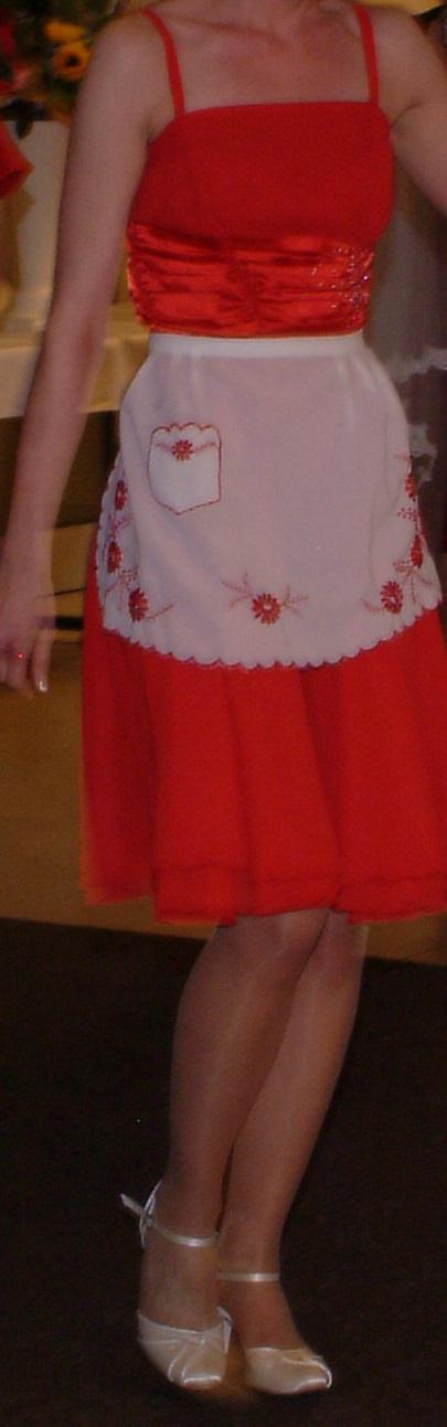 Červené krátke šaty, 36