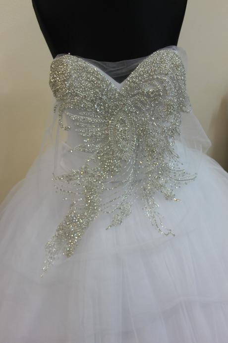 aplikácia na svadobné šaty ,