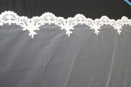 Krajka na svadobné šaty,