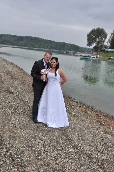 Svatební šaty velikosti 40 - 46, 44