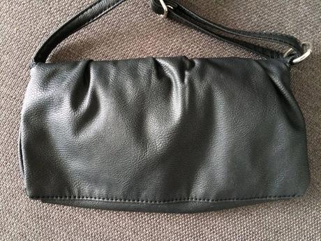Malá čierna kabelka,