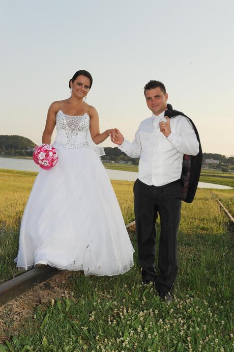 svadobná vestička, 48