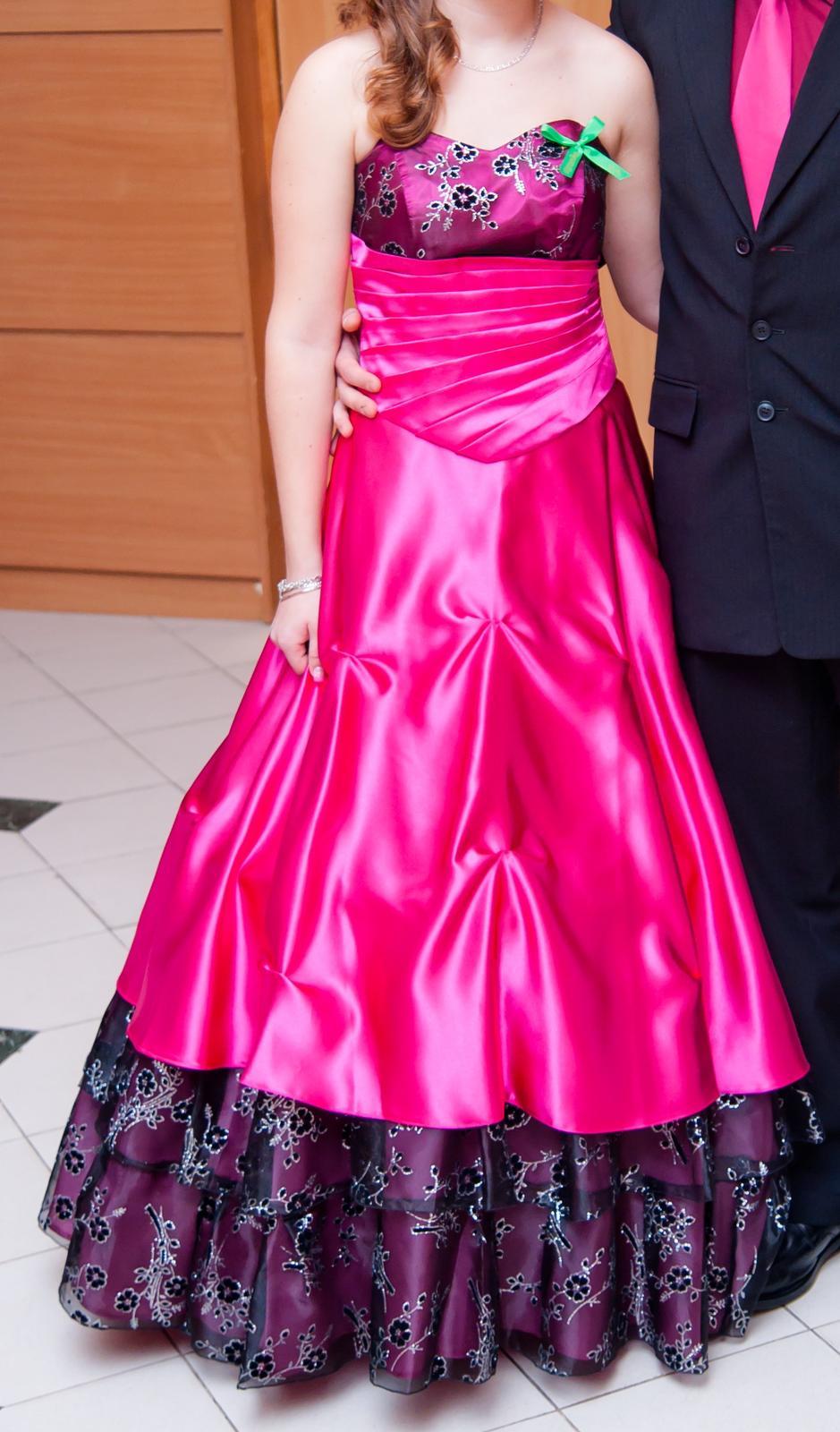 Korzetové šaty-oblečené len 1x b52b7f5e4e8