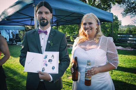Svatební puntíkované šaty, 46