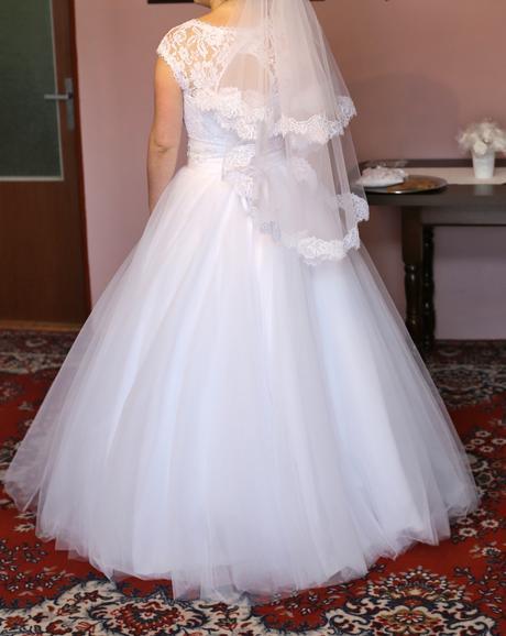 Predám svadobné šaty veľkosť, 40