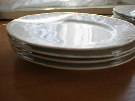 sada tanierov,nekompletná starý porcelán Bernadot ,
