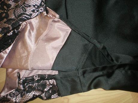Saténové šaty s čipkou čierno staroružové, 40