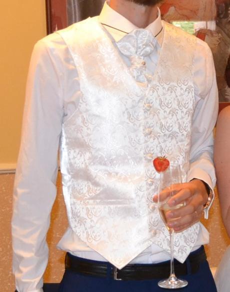 svadobná vesta + francúzska kravata + kapesník, 36