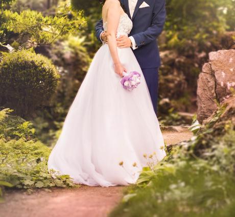 svadobné šaty, kabelka, náušnice,vesta pre ženícha, 36