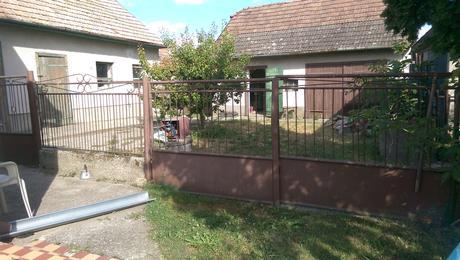 Rodinny dom na predaj v obci Topoľníky.,