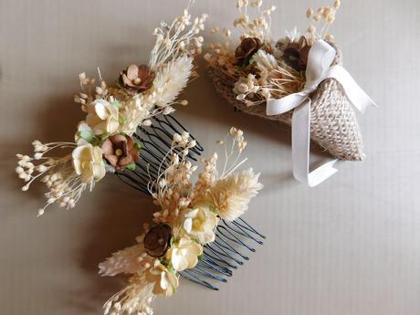 2 x vlasový hřebínek+korsáž pro ženicha a čelenka,