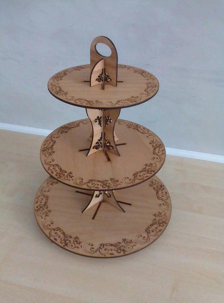 Stojan na cupcaky - dřevěný, rozložitelný,