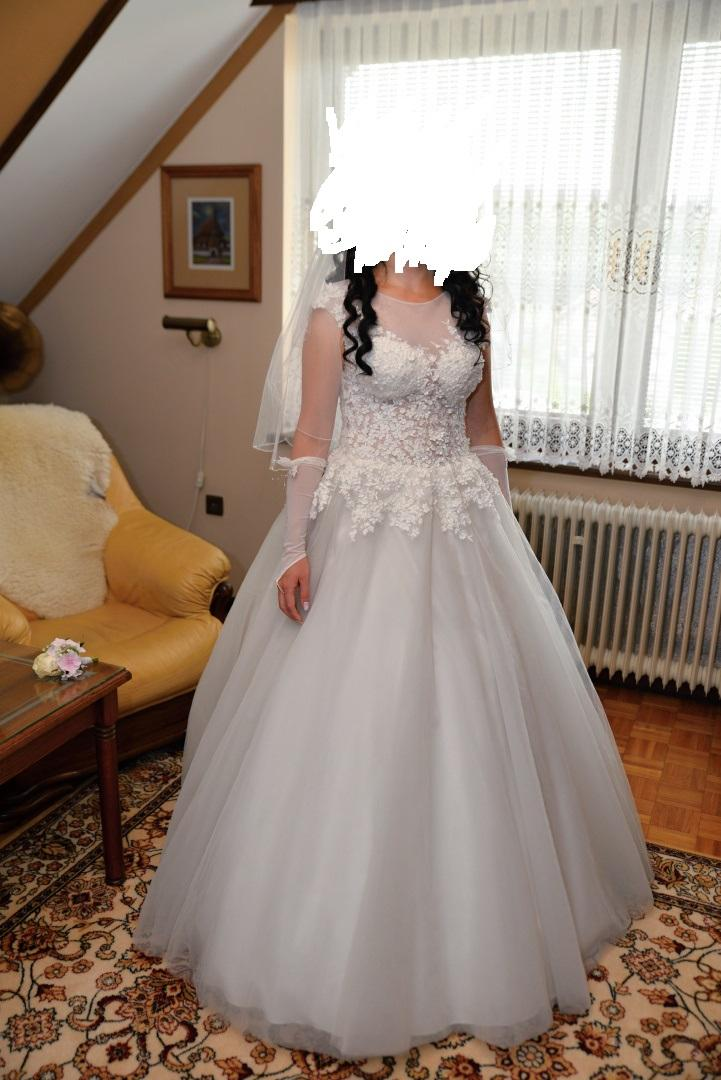 a6bd8165184c Svadobné šaty