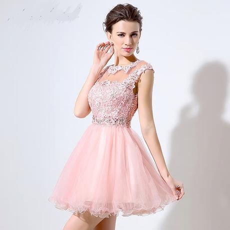 Krátke spoločenské šaty , 36