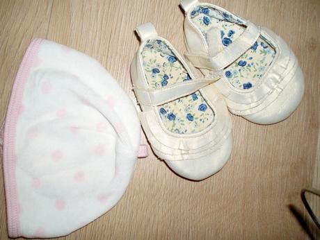 čiapočka Mothercare, 18