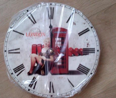 Nepoužité hodiny Eglo,