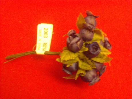 umělé květinky,