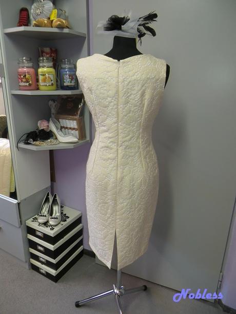 AKCE Pouzdrové šaty Alina, 42