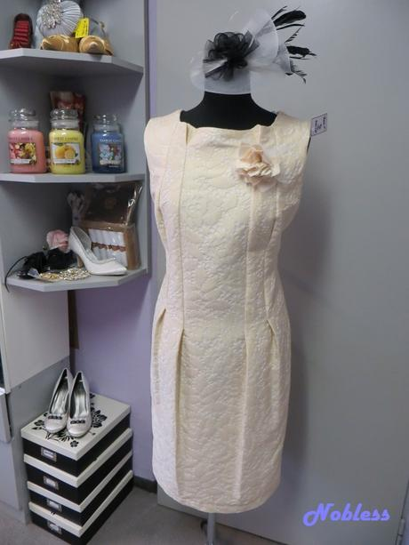 AKCE Pouzdrové šaty Alina, 47