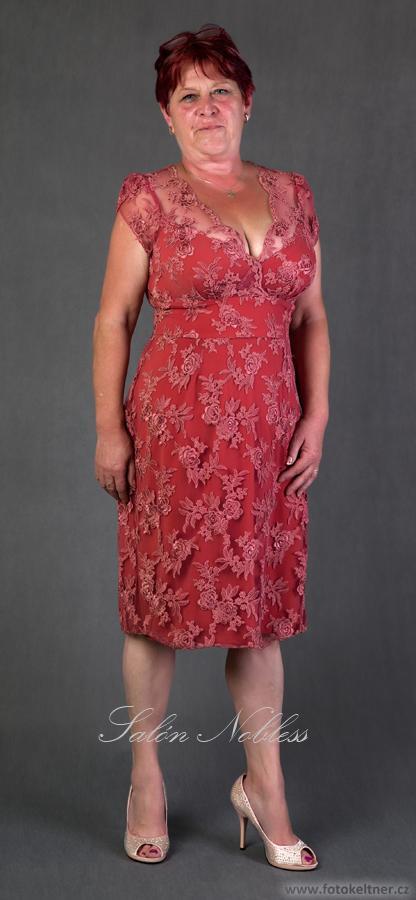 Dámské celokrajkové šaty č. 1206 ke kolenům, 46