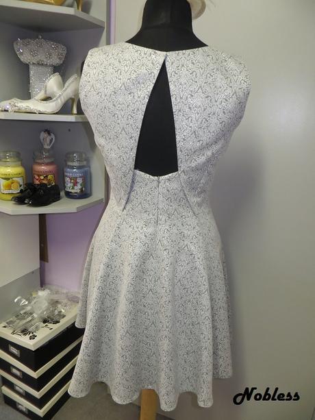Koktejlové šaty Silver č. 166, 42
