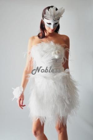 Krátké extravagantní svatební ( popůlnoční) šaty, 36