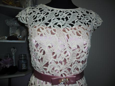 Luxusní šaty smetanovo - růžové, 42