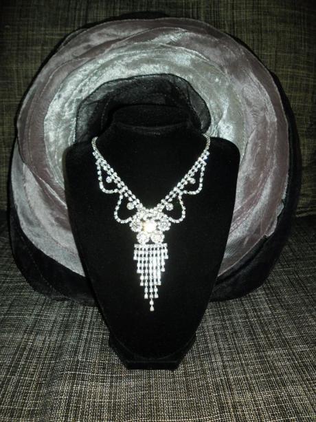Štrasový náhrdelník 182,