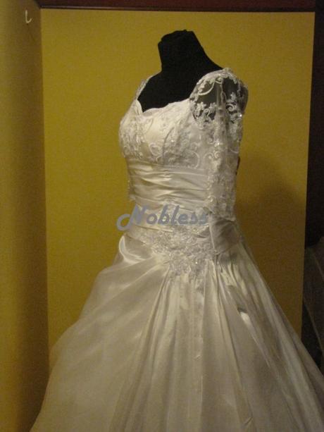 Svatební šaty Eva č. 127 - výprodej, 36
