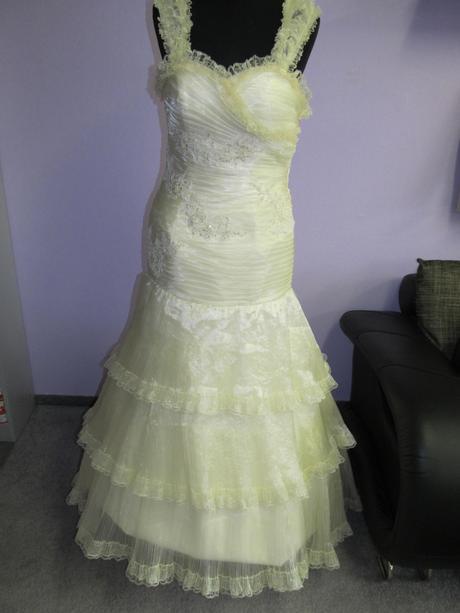 Svatební šaty Vanilka, 36