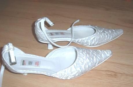 f425b3b800 Svadobné topánky na nízkom opätku