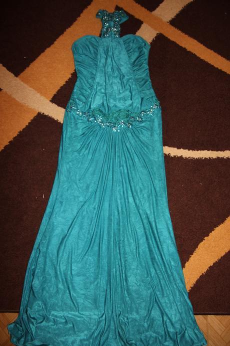 Dlhé exkluzívne šaty , 36