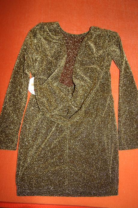 Zlato čierne šaty s holým chrbátom , 38
