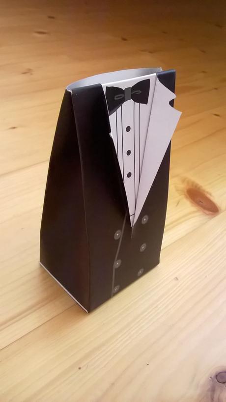 49 krabiciek na darceky pre hosti,