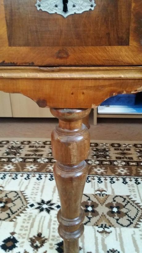 Starožitný stôl,