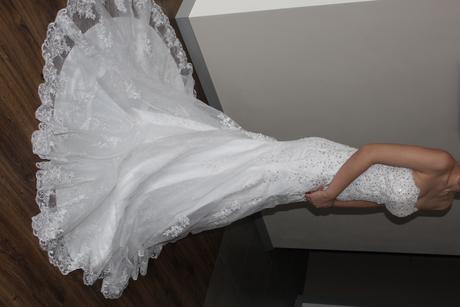 trblietavé svadobné šaty, 36