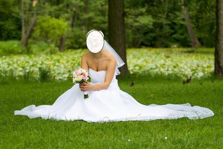 Nadčasové svatební šaty 38, 40