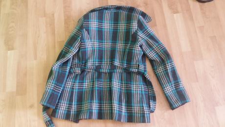 modrý kabát, 38