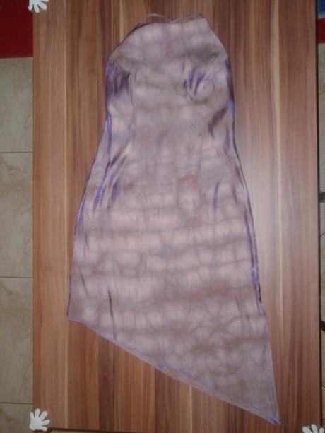 nenosené šaty, S