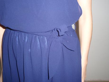 Nenosené šaty s perličkami, S