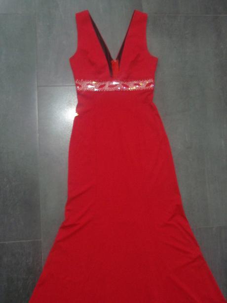 Spoločenské šaty s kamienkami, S