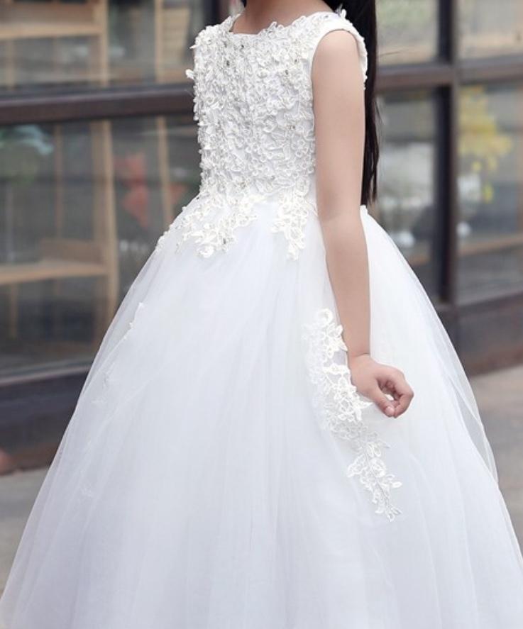 Dívčí svatební šaty 3974c7914e